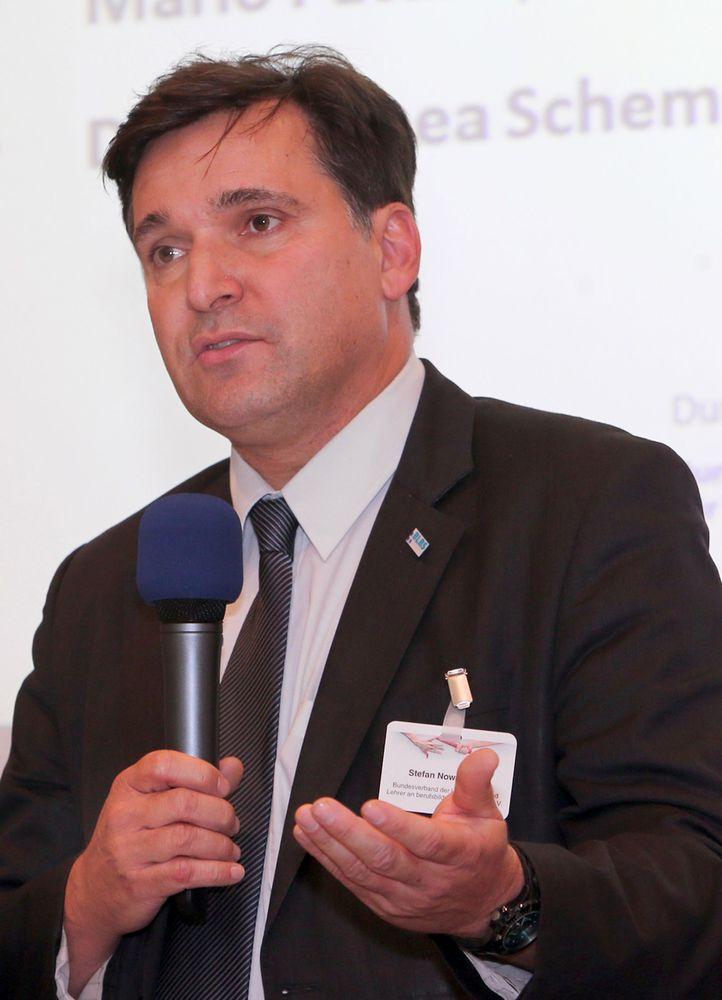 OStD Stefan Nowatschin, BLBS